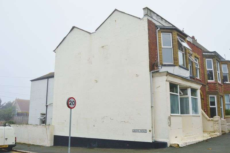 5 Bedrooms House for sale in Station Avenue, Sandown