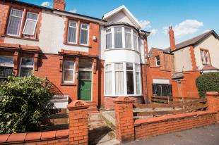 4 Bedrooms End Of Terrace House for sale in Lincoln Road, Blackpool, Lancashire, FY1