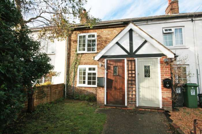 2 Bedrooms Terraced House for sale in King Street, Tring