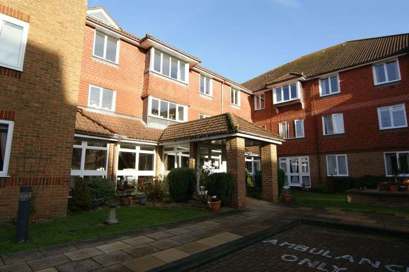 1 Bedroom Property for sale in Summers Road, Godalming