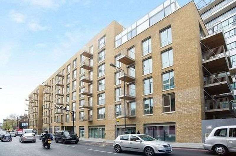 2 Bedrooms Flat for sale in One Tower Bridge, Chatsworth House, Tower Bridge Road, London SE1