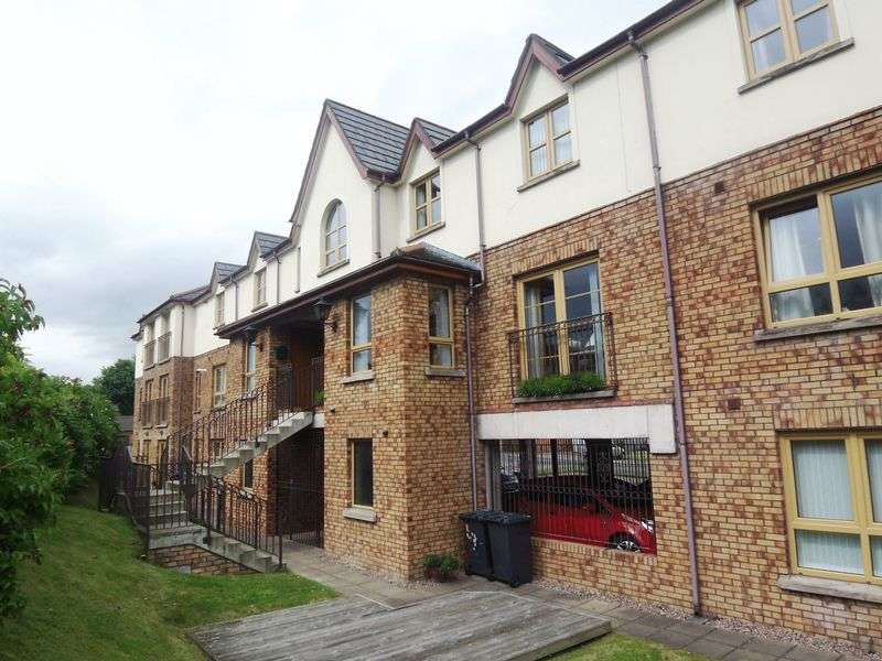2 Bedrooms Flat for sale in 22A Woodrow Gardens, Saintfield, BT24 7WG