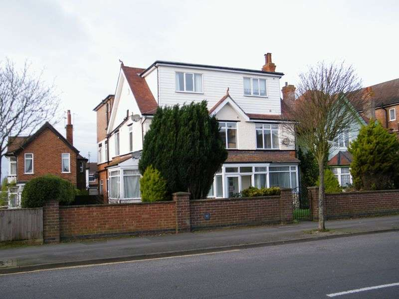 Property for sale in 94 Drummond Road, Skegness