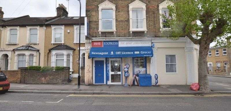 3 Bedrooms Property for sale in Glyn Road, London