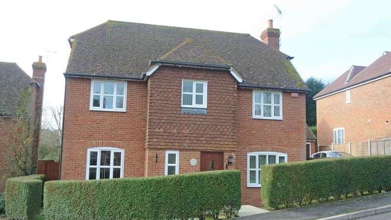 4 Bedrooms Detached House for sale in Upper Harbledown