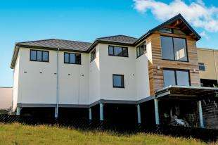 4 Bedrooms Detached House for sale in Penrallt Road, Trearddur Bay, Anglesey, LL65