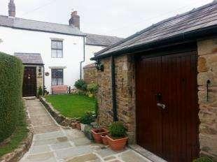 Terraced House for sale in Stoneygate Lane, Knowle Green, Preston, Lancashire, PR3