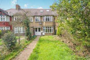 2 Bedrooms Flat for sale in Watford Way, London