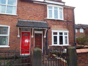 2 Bedrooms End Of Terrace House for sale in Trevor Street, Wrexham, Wrecsam, LL13