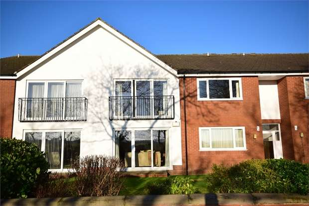 2 Bedrooms Flat for sale in Flat 6, Links Lodge, 9 Links Gate, LYTHAM ST ANNES, Lancashire