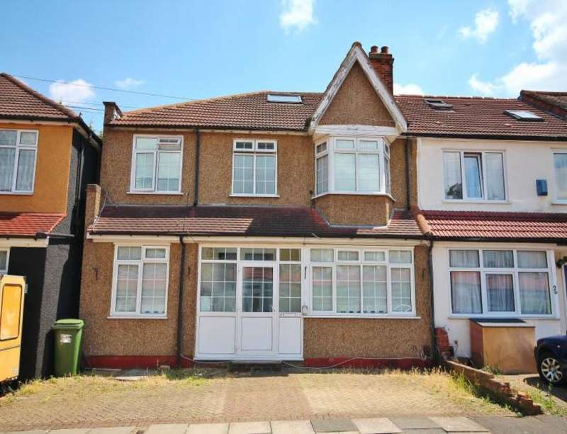 5 Bedrooms Semi Detached House for sale in Robinhood Close, Mitcham, CR4