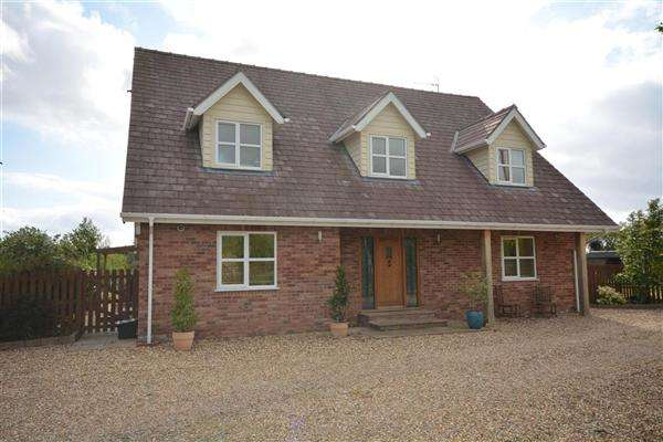 4 Bedrooms Detached House for sale in Broadlands, Broad Lane, Broad Lane, Lower Heswall
