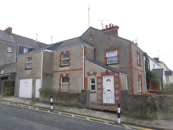 3 Bedrooms Semi Detached House for sale in Clareston Road, Tenby