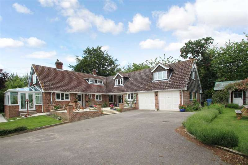 5 Bedrooms Detached House for sale in Green Acres, Hook Lane, Hadleigh