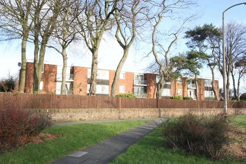 2 Bedrooms Flat for sale in Heathfield House, Pensby Road, Thingwall