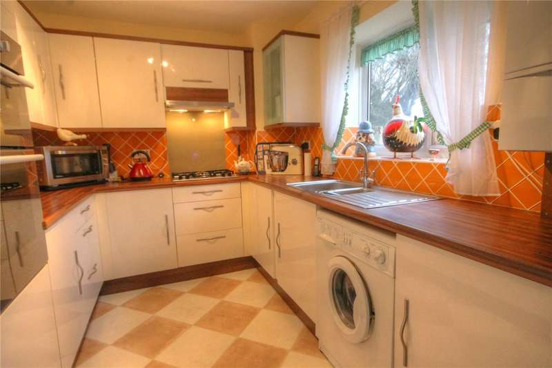 3 Bedrooms Flat for sale in Boyden Court, Bury Road, Newton Aycliffe, DL5