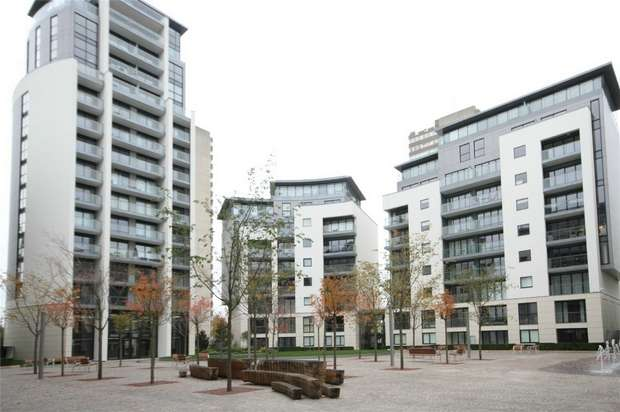 1 Bedroom Flat for sale in Pump House Crescent, Brentford
