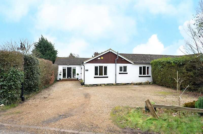 4 Bedrooms Bungalow for sale in Perry Hill, Worplesdon, GU3