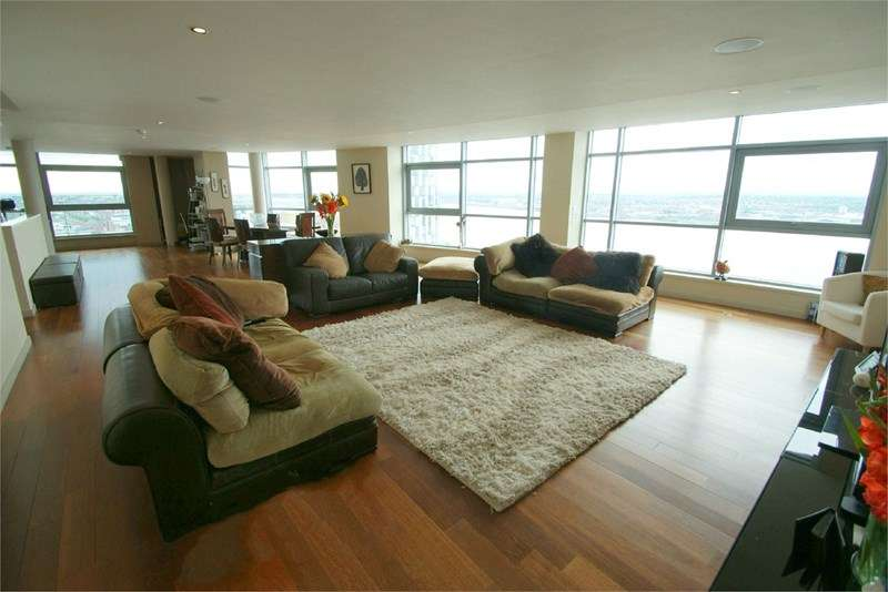 3 Bedrooms Flat for sale in Beetham Tower, Liverpool