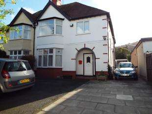 2 Bedrooms Flat for sale in Conway Road, Colwyn Bay, Conwy, LL29