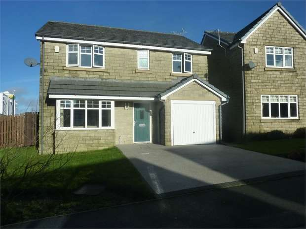 4 Bedrooms Detached House for sale in Fieldfare Way, Bacup, Lancashire