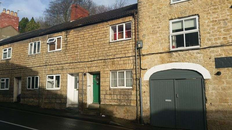 2 Bedrooms Terraced House for sale in North Street, Crewkerne