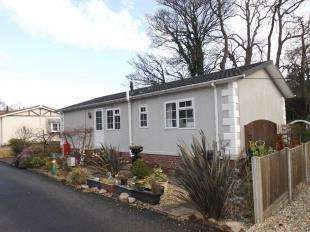 2 Bedrooms Bungalow for sale in Bryn Gynog Park, Hendre Road, Conwy, LL32