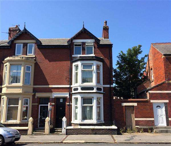 7 Bedrooms Property for sale in North Church Street, Fleetwood