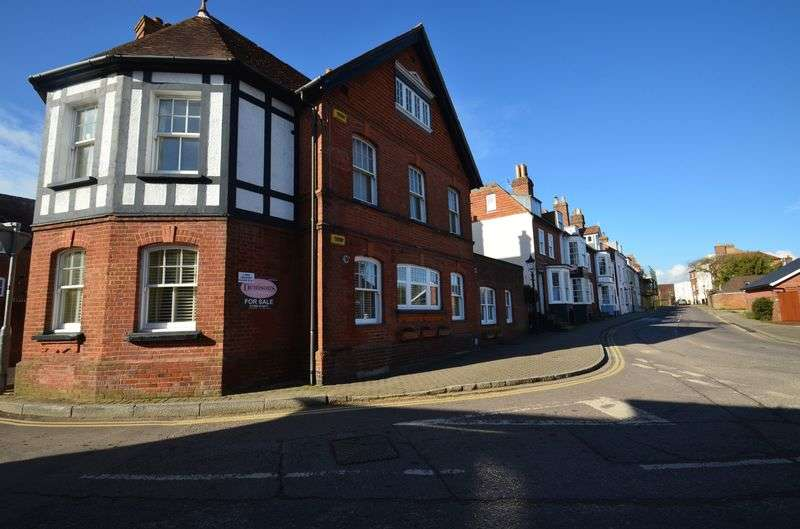 2 Bedrooms Flat for sale in Grove Road, Lymington