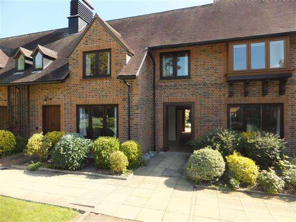 3 Bedrooms Retirement Property for sale in Lyefield Court, Emmer Green, Reading