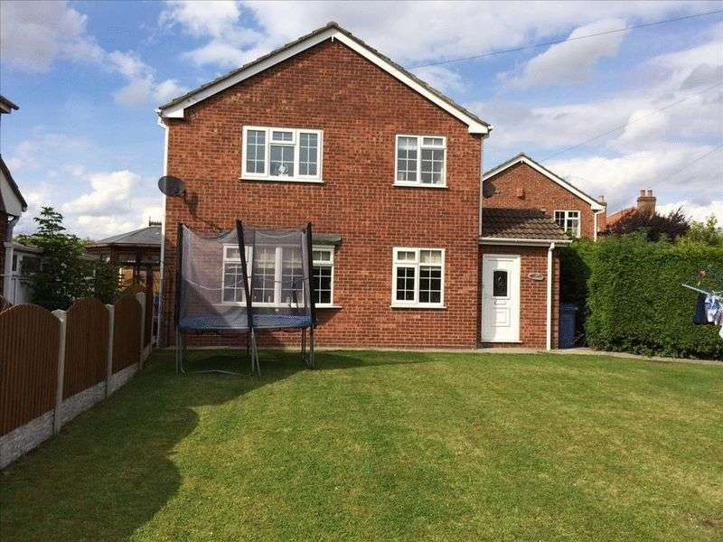 4 Bedrooms Detached House for sale in Stockwith Road, Walkeringham