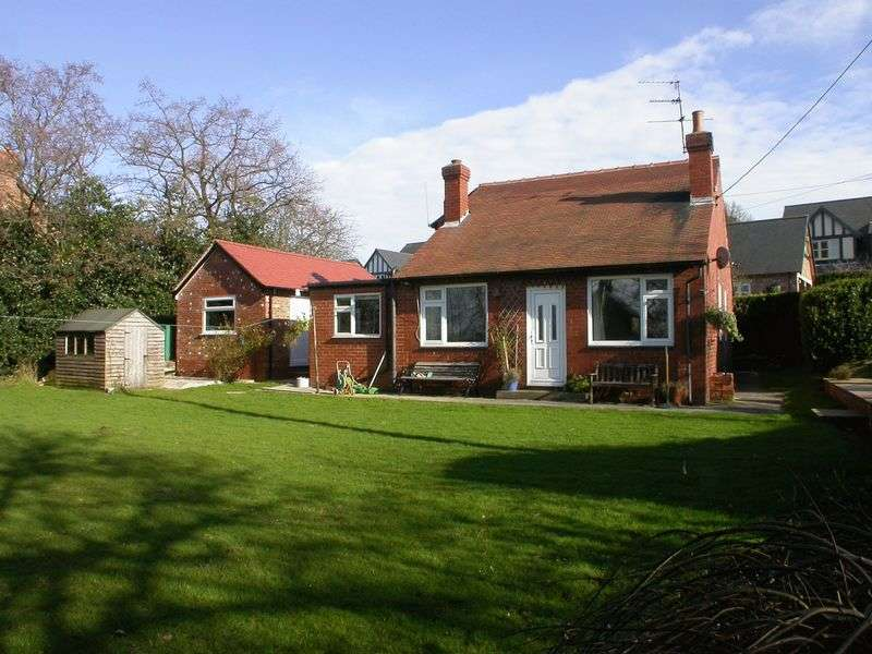 3 Bedrooms Bungalow for sale in WHITELEY GREEN (HOLEHOUSE LANE)