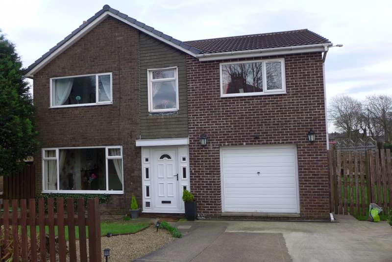 4 Bedrooms Detached House for sale in Hadrians Close, Salendine Nook, Huddersfield, HD3