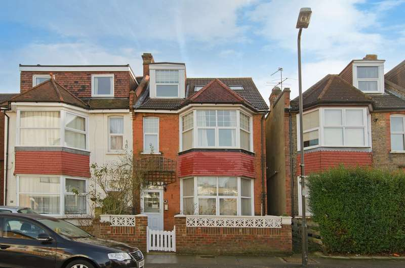 1 Bedroom Flat for sale in Claremont Avenue, New Malden, KT3