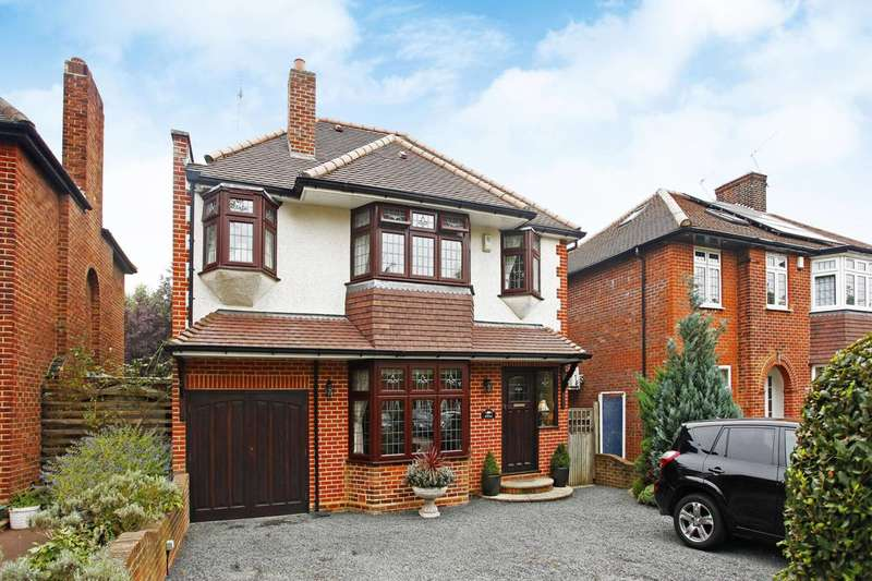 5 Bedrooms Detached House for sale in Oakwood Park Road, Southgate, N14