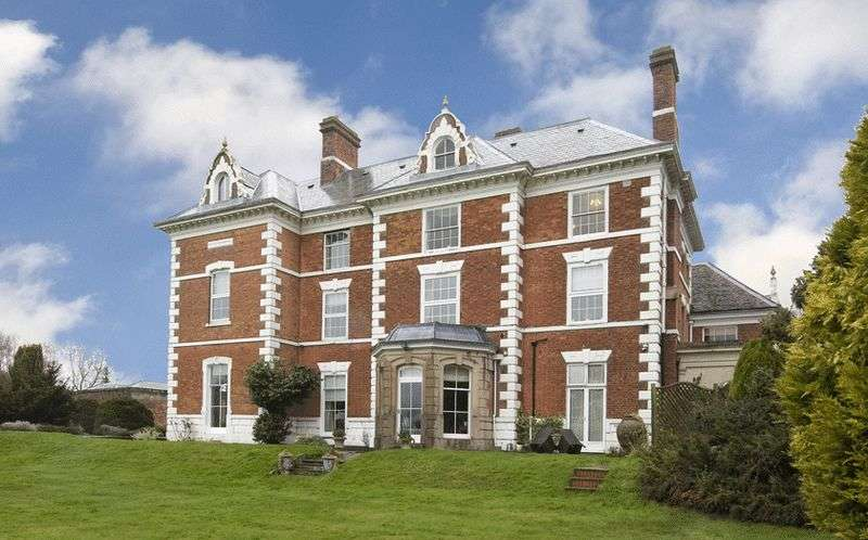 1 Bedroom Flat for sale in Brookfield House, Belbroughton