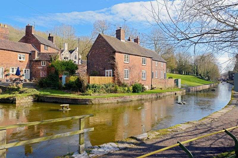 1 Bedroom Terraced House for sale in Canal Side, High Street, Coalport, Shropshire.