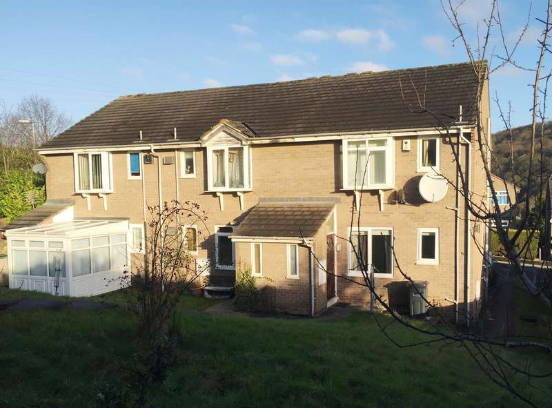 1 Bedroom Ground Flat for sale in Barker Court, Birkby, Huddersfield, HD2 2YG