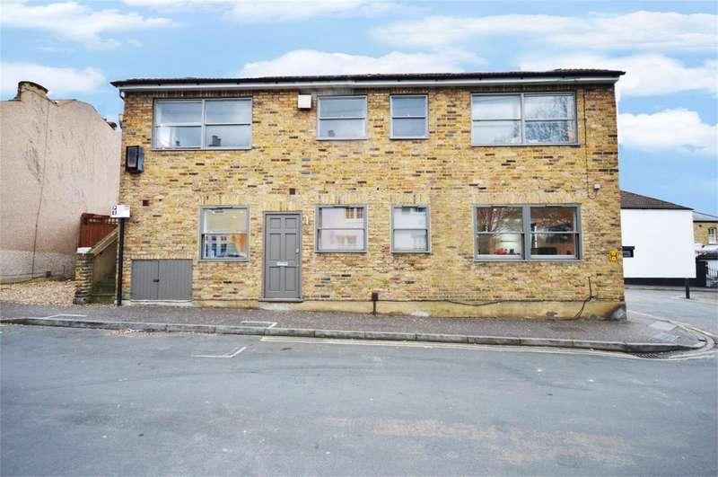 1 Bedroom Flat for sale in Albert Road, Richmond, Surrey