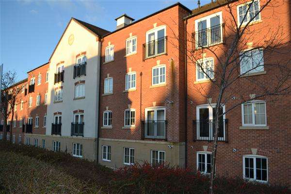 2 Bedrooms Apartment Flat for sale in Harrington Croft, West Bromwich