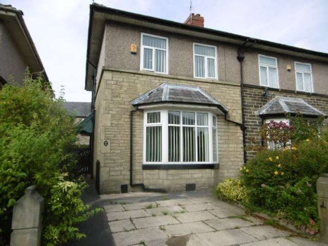 3 Bedrooms Semi Detached House for sale in Garsdale Avenue, Burnley, Lancashire, BB10