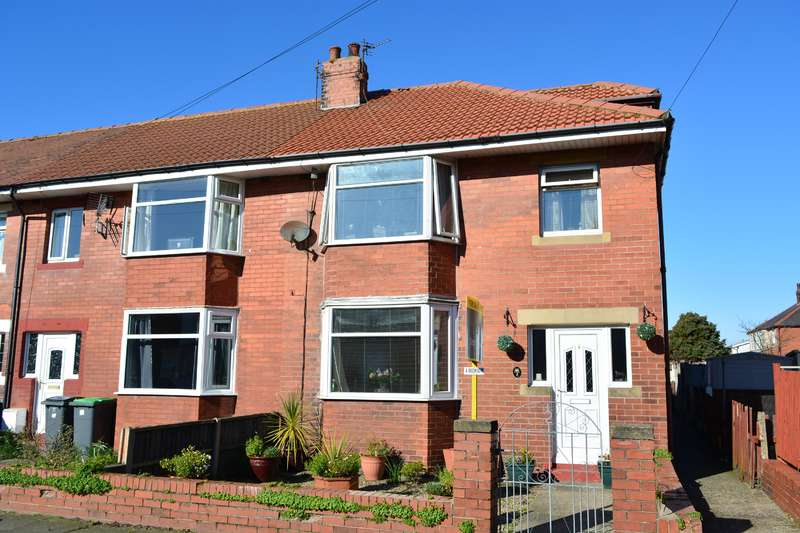 4 Bedrooms End Of Terrace House for sale in Drakelowe Avenue, South Shore, Blackpool, FY4 3NA