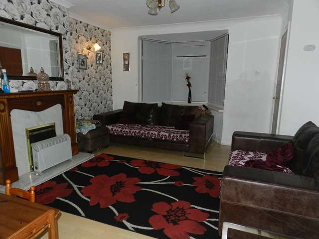 3 Bedrooms Semi Detached House for sale in Edgware Road, Semi Detached, Three Bedroom Family Home, B23 6JH
