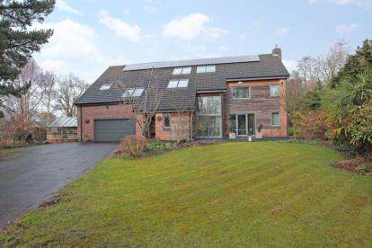 4 Bedrooms Detached House for sale in Anglesey Drive, Poynton, Cheshire
