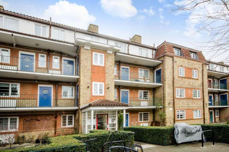 3 Bedrooms Flat for sale in Acorn Walk, Rotherhithe, SE16