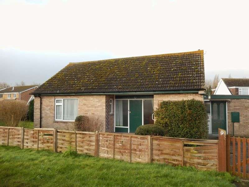 2 Bedrooms Detached Bungalow for sale in Station Road, Bottesford