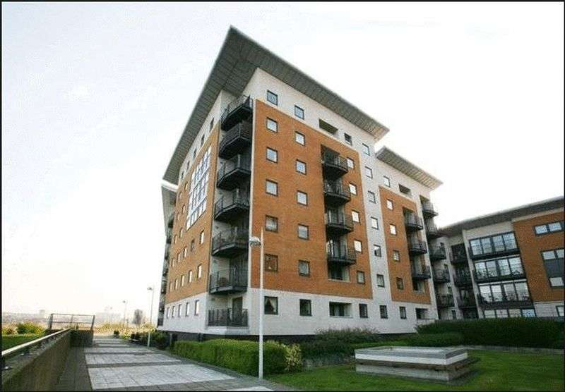 1 Bedroom Flat for sale in Inverness Mews, London