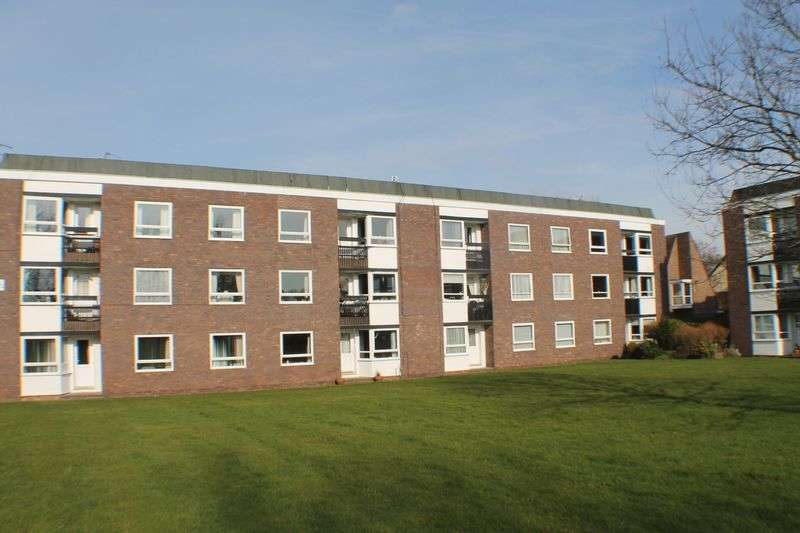 2 Bedrooms Flat for sale in Lancelyn Court, Spital, Wirral, CH63 9JL