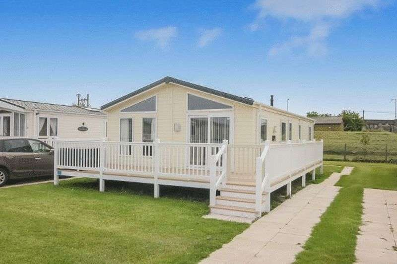 2 Bedrooms Bungalow for sale in Delta Cheltenham 2012