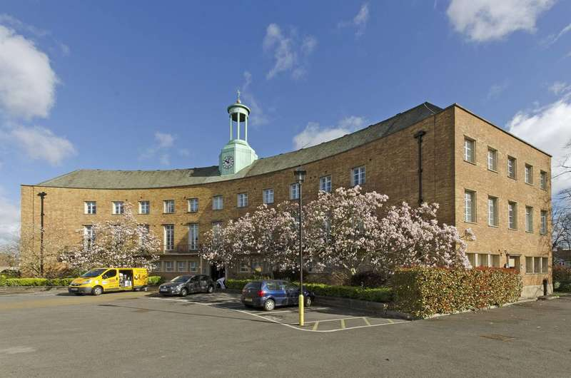 1 Bedroom Flat for sale in Aldermen Court, Friern Barnet, N11